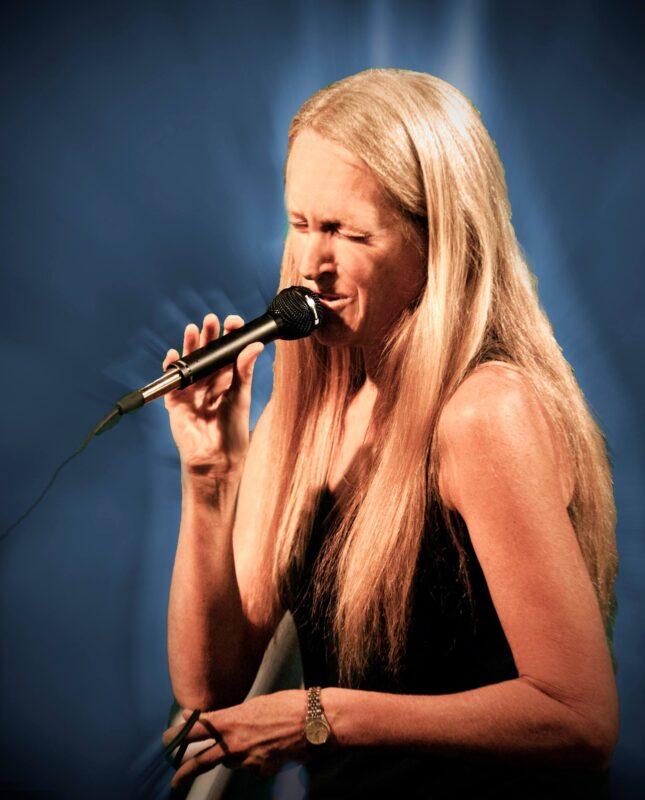 Masterful Musicians,Bonnie Laowdermilk